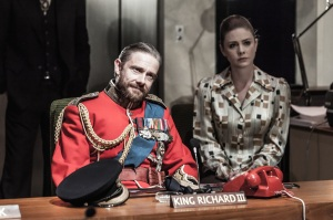 Richard III - Martin Freeman and Lauren O'Neil - Photo Marc Brenner.jpg